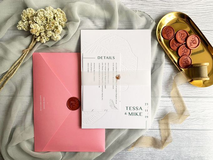 Modern Minimalist Tropical by Trouvaille Invitation - 003