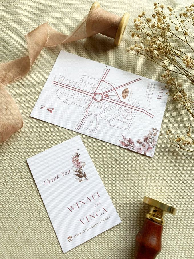 Modern Floral by Trouvaille Invitation - 005