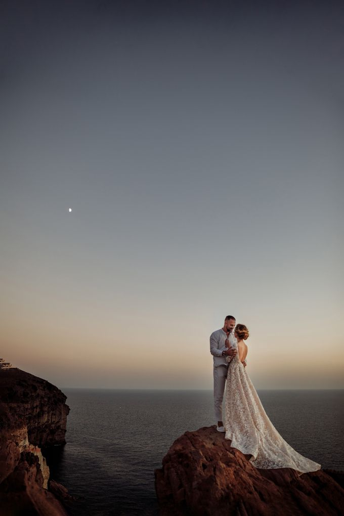 This is a wedding story about a beautiful couple in an incredible corner of the earth. The newlyweds have chosen a beautiful place to hold their weddi by Miller Photography - 038