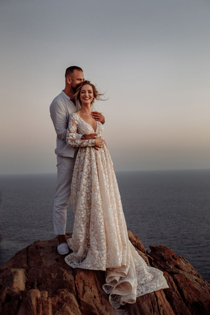 This is a wedding story about a beautiful couple in an incredible corner of the earth. The newlyweds have chosen a beautiful place to hold their weddi by Miller Photography - 039
