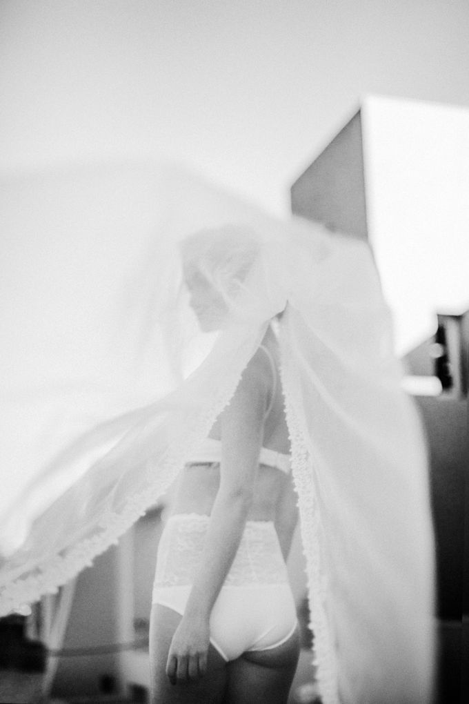 This is a wedding story about a beautiful couple in an incredible corner of the earth. The newlyweds have chosen a beautiful place to hold their weddi by Miller Photography - 007