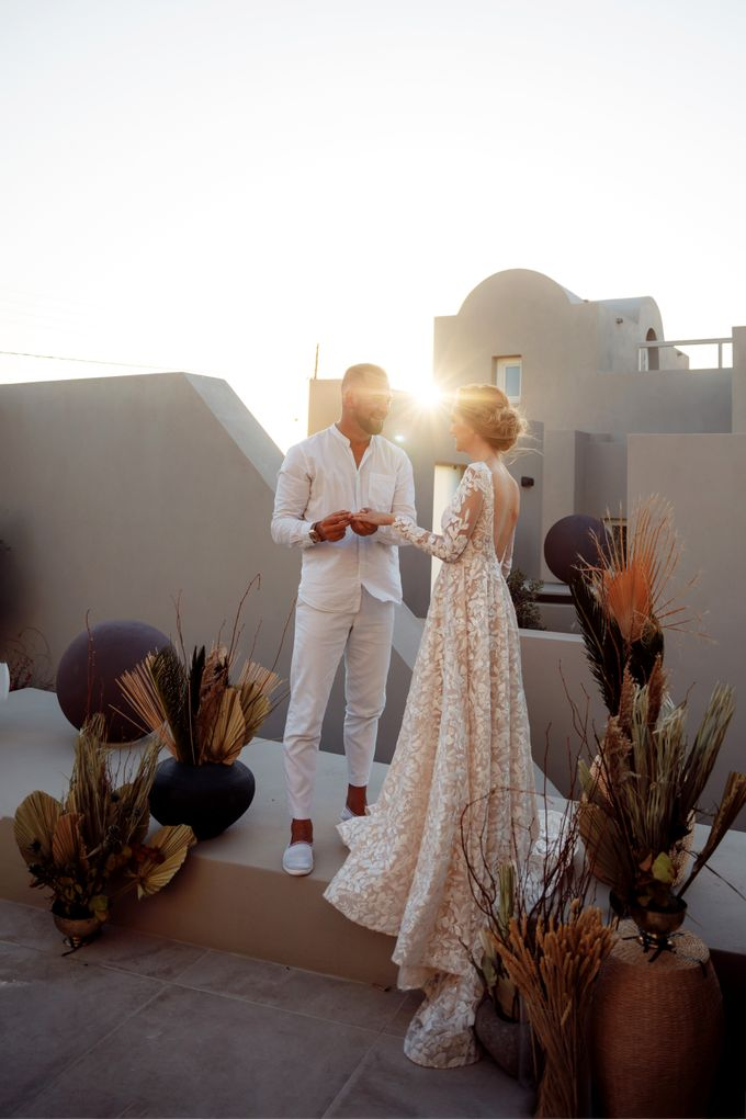 This is a wedding story about a beautiful couple in an incredible corner of the earth. The newlyweds have chosen a beautiful place to hold their weddi by Miller Photography - 029