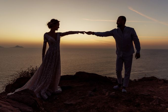 This is a wedding story about a beautiful couple in an incredible corner of the earth. The newlyweds have chosen a beautiful place to hold their weddi by Miller Photography - 041