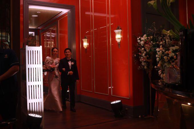 Fine Dinning Intimate entertainment wedding at Alto Restaurant Four Seasons Jakarta - Double V Entertainment by Hian Tjen - 023