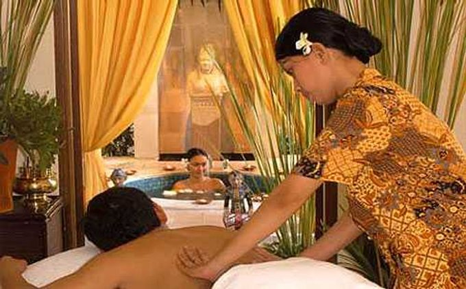 A Romantic Wedding Package by Taman Sari Royal Heritage Spa Mustika Ratu - 004