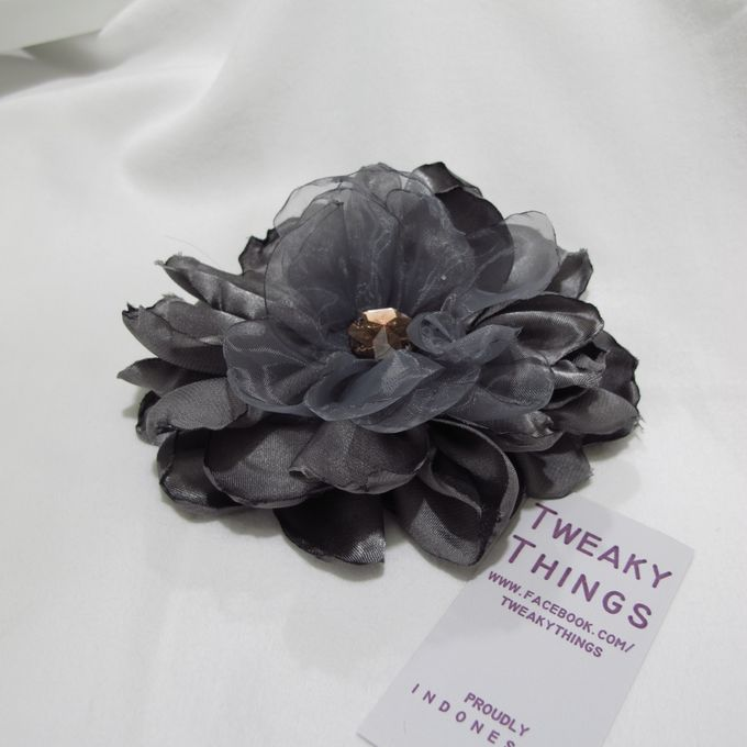 Flower brooch and hairclip by TweakyThings - 010
