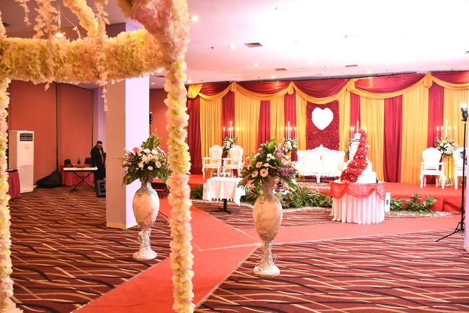 The Wedding of Cristina and Melvin by Fame Hotel Gading Serpong - 010