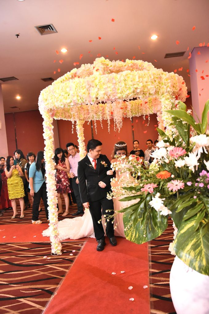 The Wedding of Cristina and Melvin by Fame Hotel Gading Serpong - 011