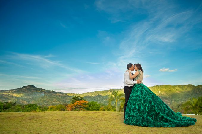 MICHAEL & APRIL MELODY ENGAGEMENT by Aying Salupan Designs & Photography - 006