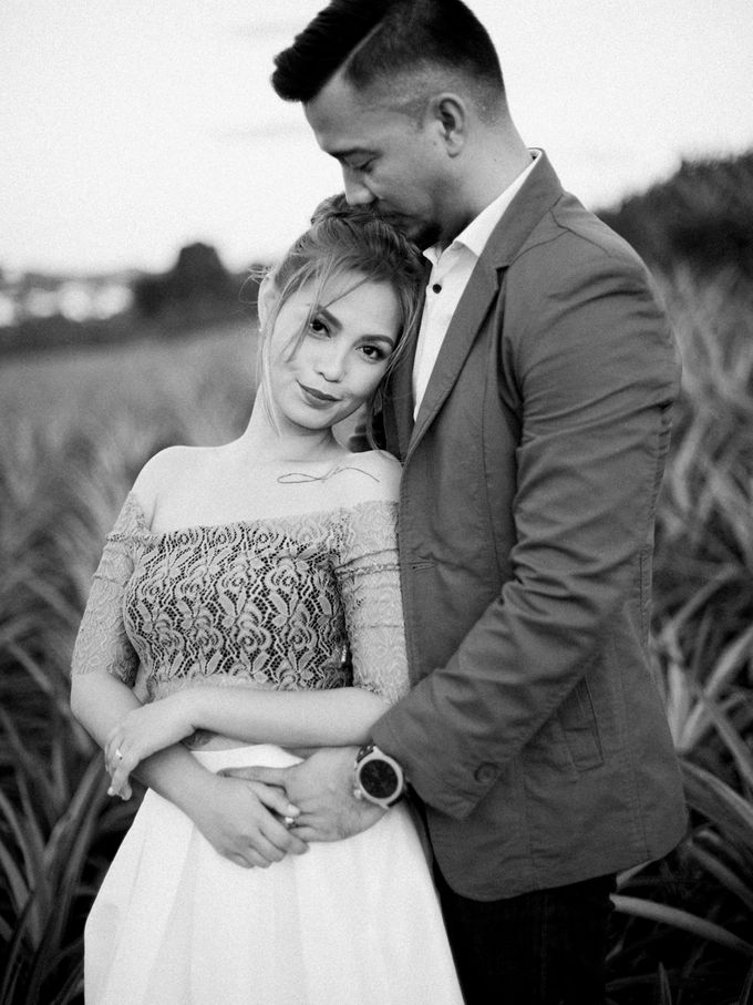 Adrian and Ehm Engagement Session by Bride Idea - 035