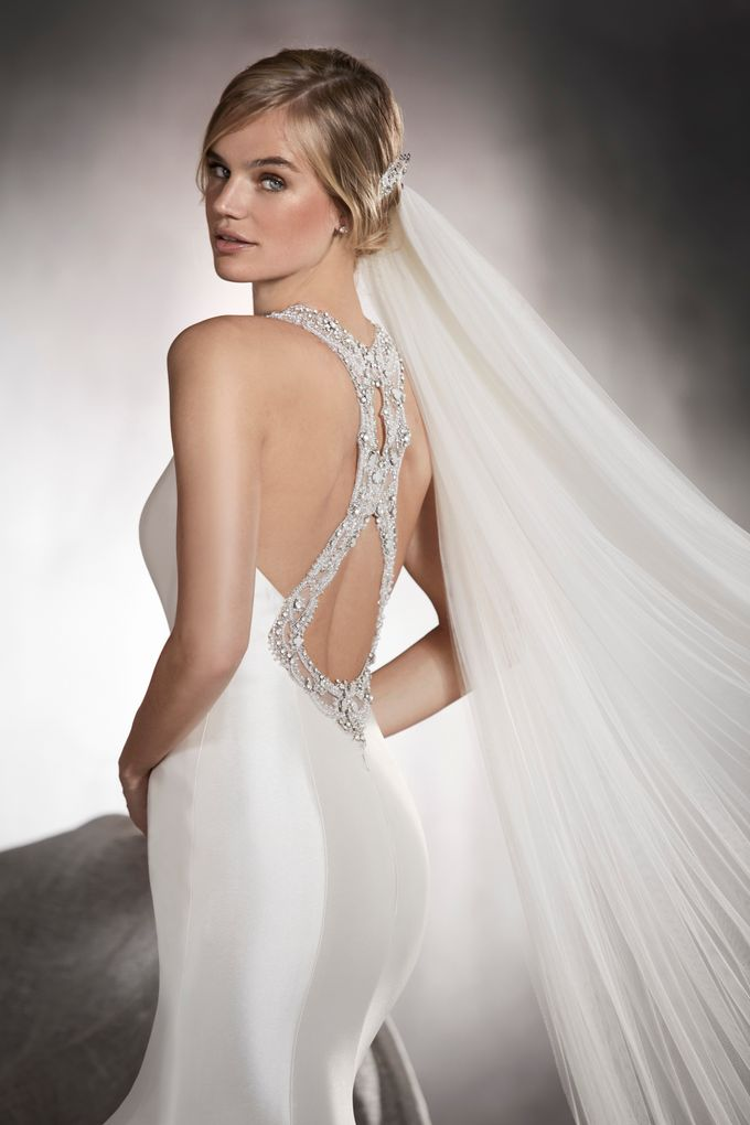 Pronovias by DESIGNER BRIDAL ROOM - 010