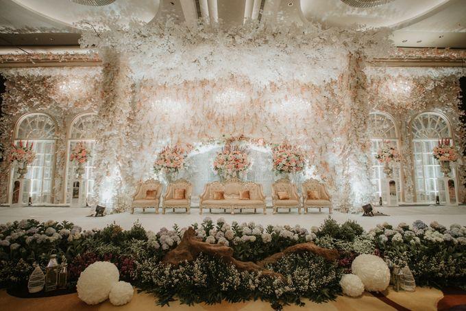 DECORATION & LIGHTING by Bonzai Decoration - 002