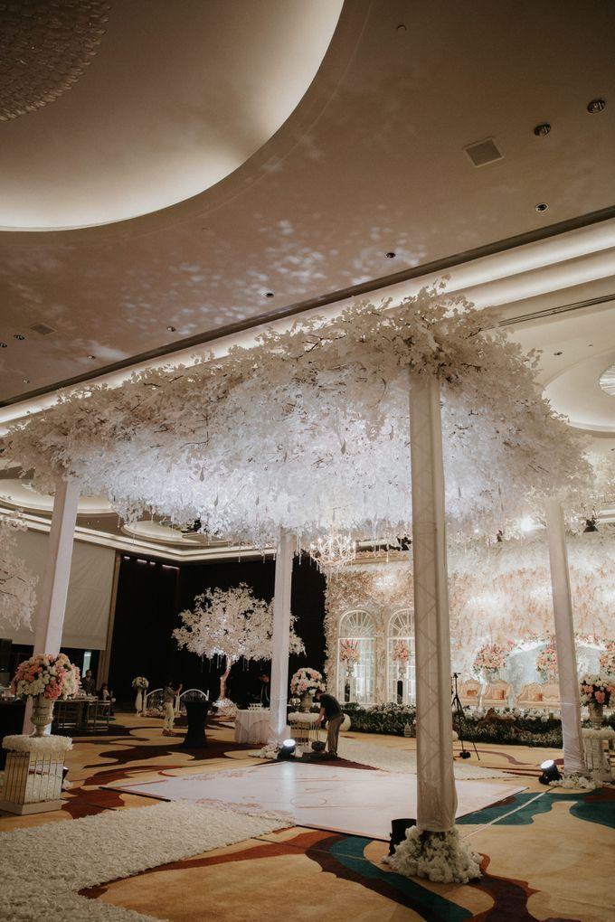 DECORATION & LIGHTING by Bonzai Decoration - 005