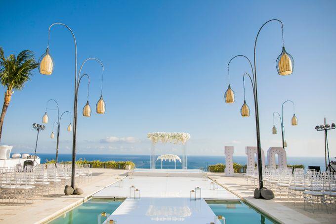 Simple Elegant Transparent Luxurious By Birdcage Works
