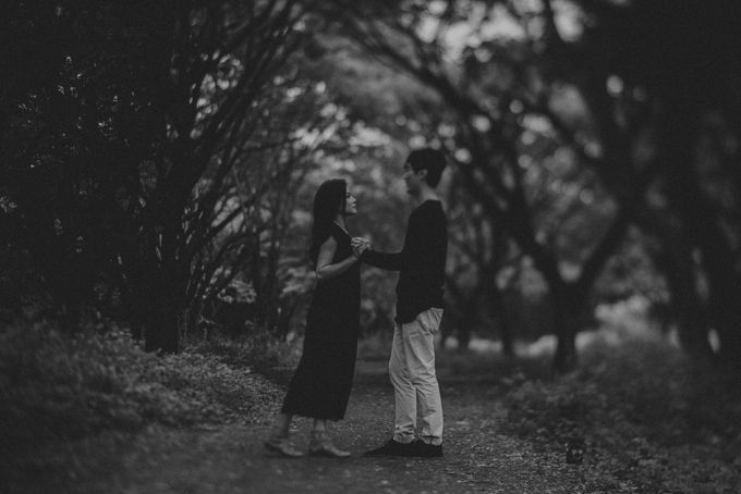 JONAS AND GILLIAN ENGAGEMENT SESSION by limitless portraiture - 021
