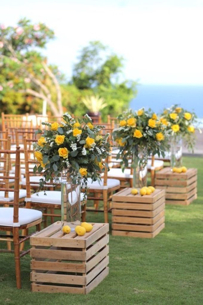 Cheerfulness Yellow at Pandawa Cliff Estate by Flora Botanica Designs - 003