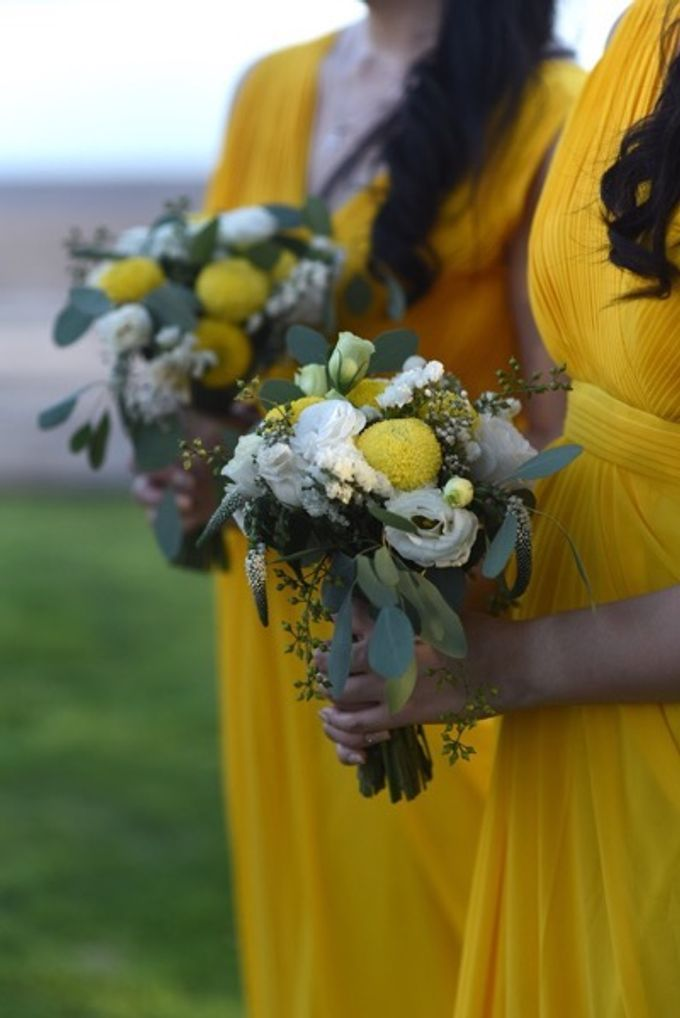Cheerfulness Yellow at Pandawa Cliff Estate by Flora Botanica Designs - 017