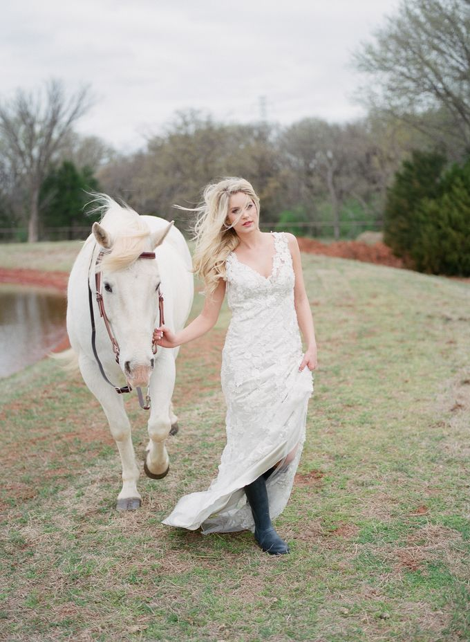 English Country Bridal Inspiration by Amanda Watson Photography - 015