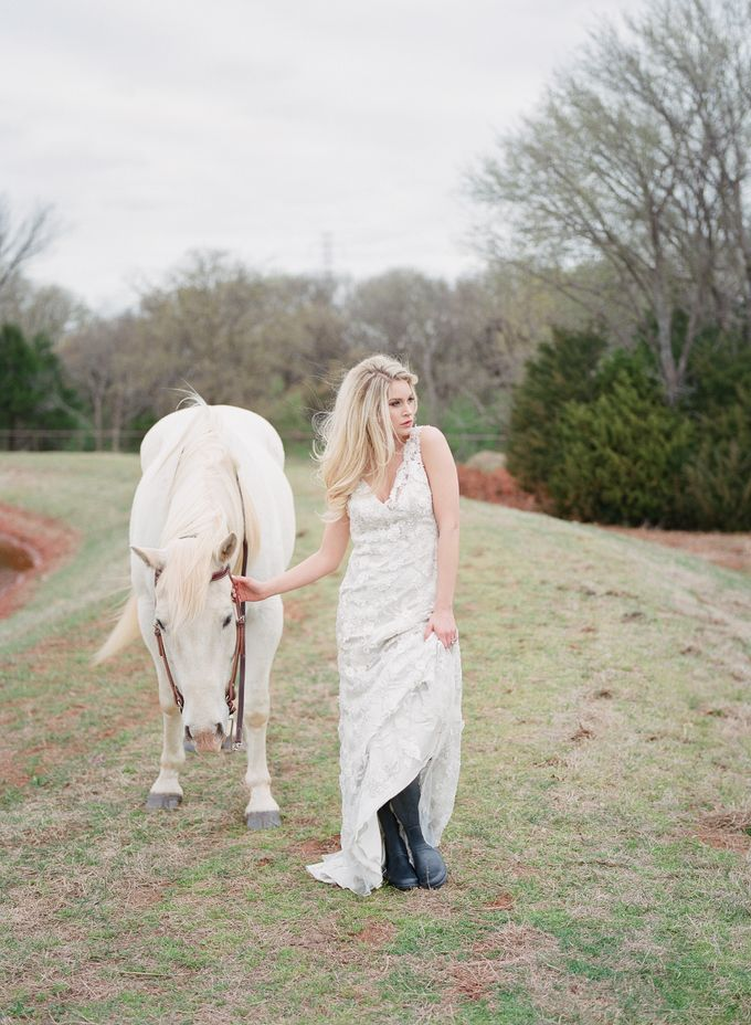 English Country Bridal Inspiration by Amanda Watson Photography - 016