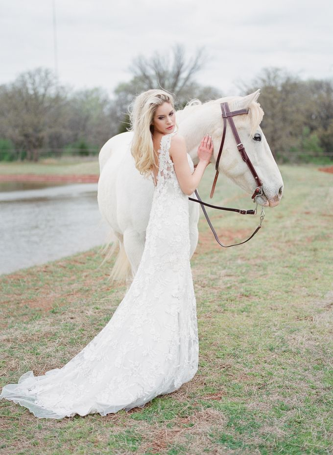 English Country Bridal Inspiration by Amanda Watson Photography - 025