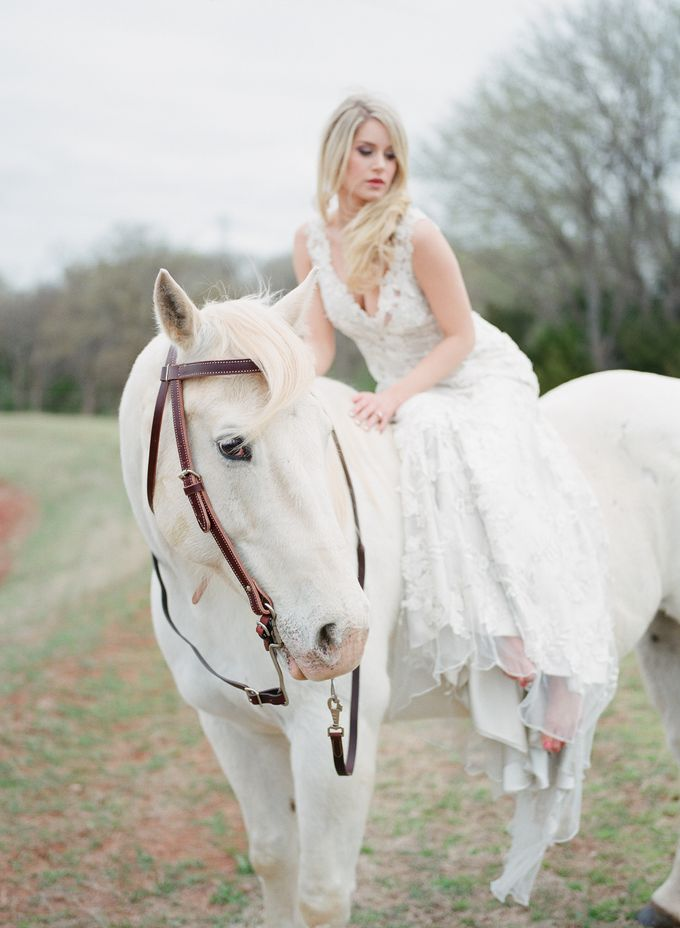 English Country Bridal Inspiration by Amanda Watson Photography - 028