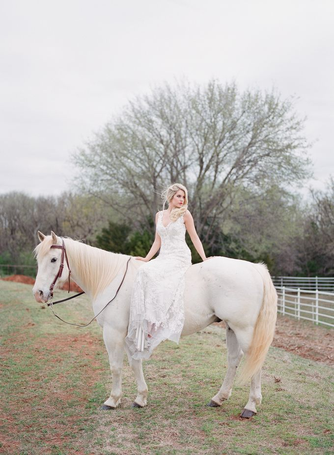 English Country Bridal Inspiration by Amanda Watson Photography - 030