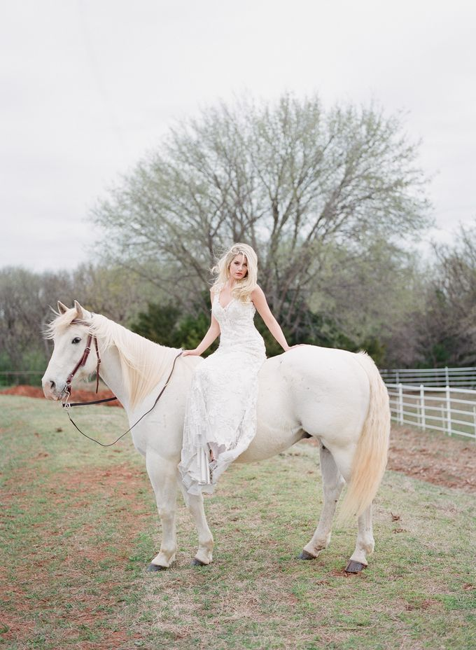 English Country Bridal Inspiration by Amanda Watson Photography - 031