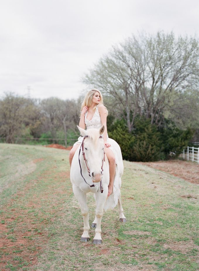 English Country Bridal Inspiration by Amanda Watson Photography - 032