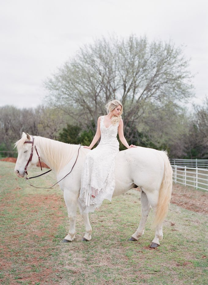 English Country Bridal Inspiration by Amanda Watson Photography - 033