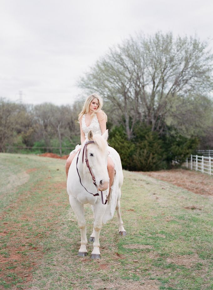 English Country Bridal Inspiration by Amanda Watson Photography - 034