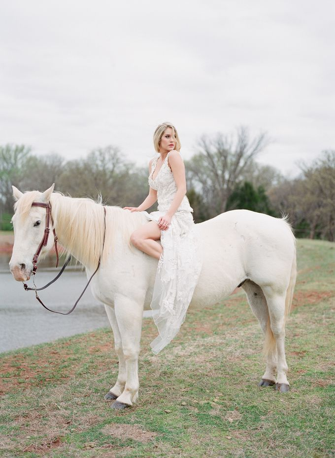 English Country Bridal Inspiration by Amanda Watson Photography - 041