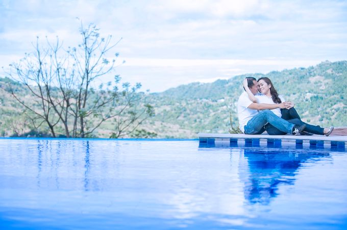 MICHAEL & APRIL MELODY ENGAGEMENT by Aying Salupan Designs & Photography - 011