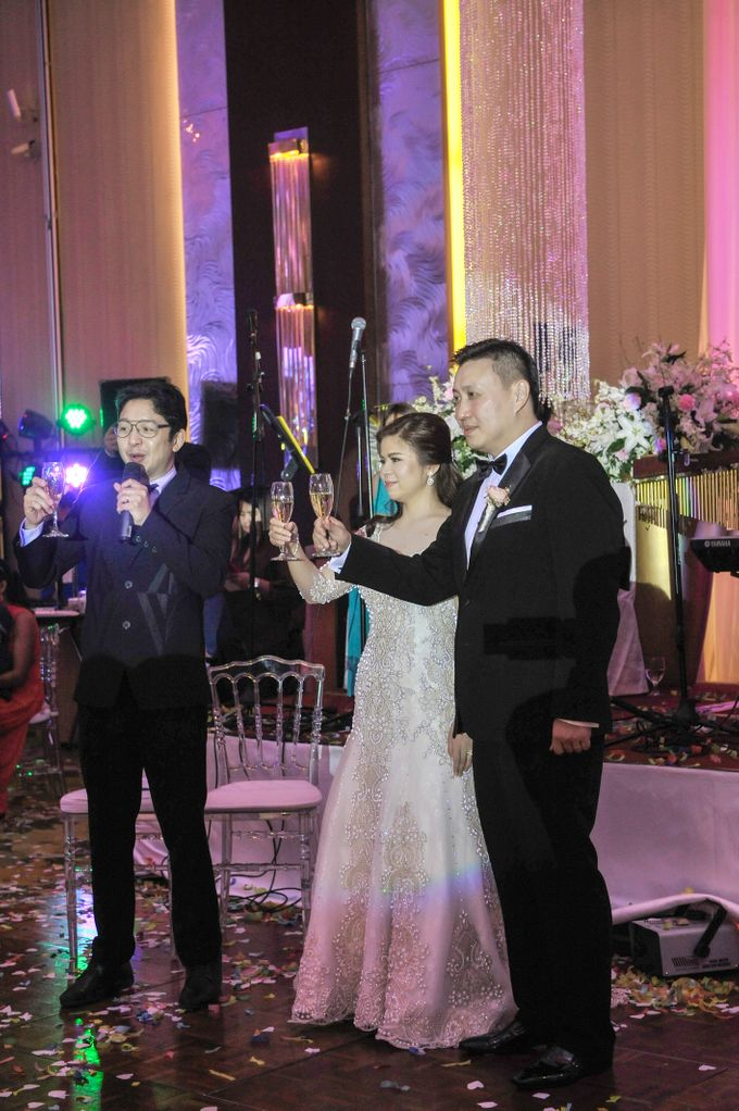 Alfred and Dambia Tan Wedding by RJ Ledesma - 009