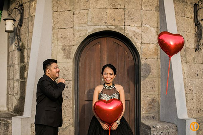 Aron and Mia Metro Manila Engagement by Victor Reyes Photography - 019
