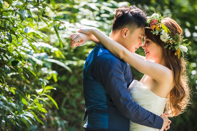 Anniversary Love Shoot by Royal Blooms - 005