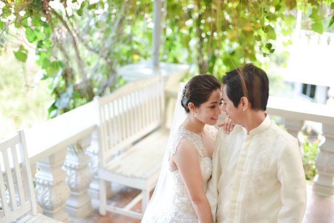Weddings and Engagement by Aika Guerrero by Aika Guerrero Photography - 017