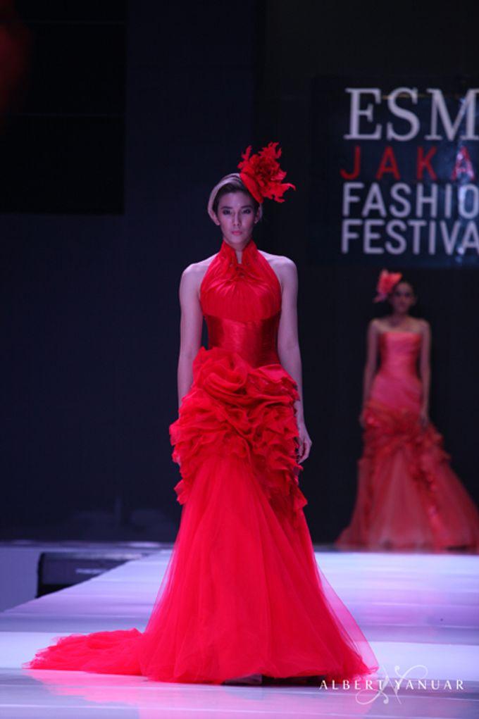 SPRING SUMMER 2013 LA VIE EN ROSE - Esmod Jakarta Fashion Festival by Albert Yanuar - 005