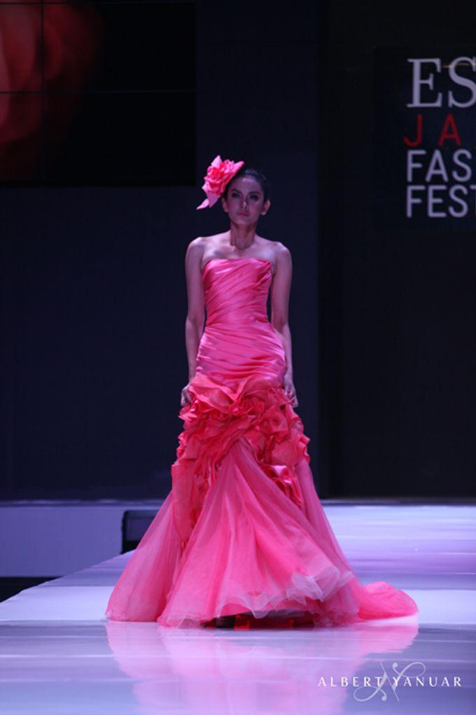 SPRING SUMMER 2013 LA VIE EN ROSE - Esmod Jakarta Fashion Festival by Albert Yanuar - 006