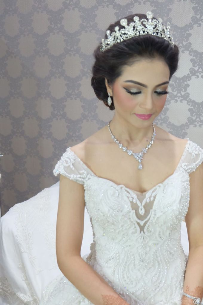 Amira  The Beauty Bride by New Melati Salon Bali - 001