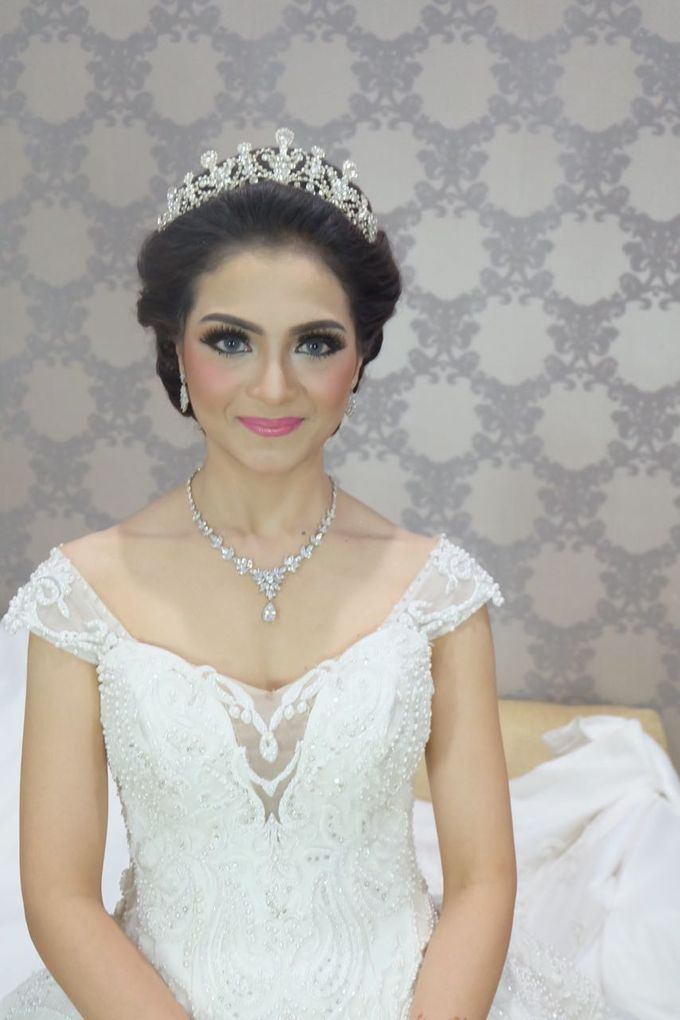 Amira  The Beauty Bride by New Melati Salon Bali - 003
