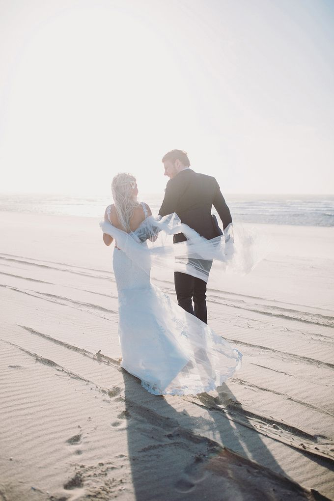 KELLY & MARTIJN ON THE BEACH by Ana Gregorič photography - 032