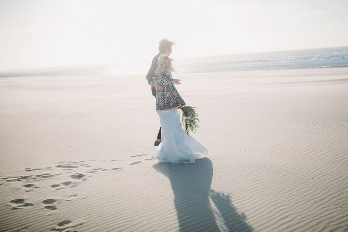 KELLY & MARTIJN ON THE BEACH by Ana Gregorič photography - 042