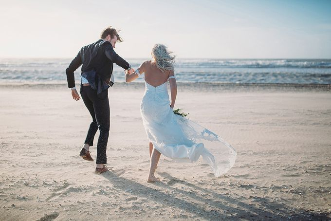 KELLY & MARTIJN ON THE BEACH by Ana Gregorič photography - 043