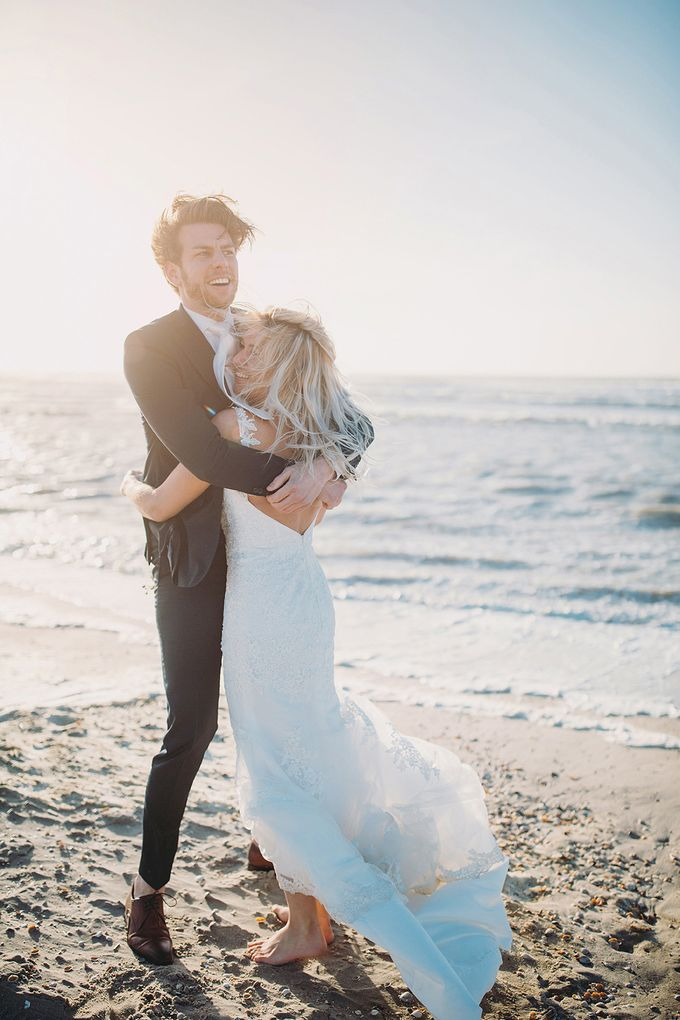 KELLY & MARTIJN ON THE BEACH by Ana Gregorič photography - 045