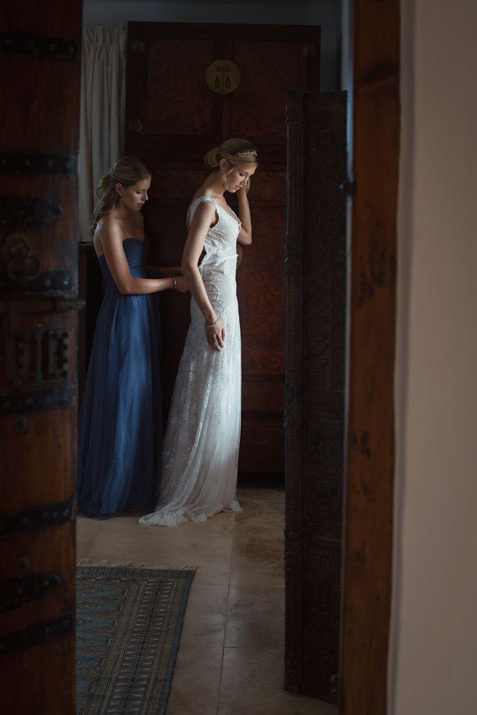 Wedding in tropical island ruins by Maria Elena Headpieces Australia - 003