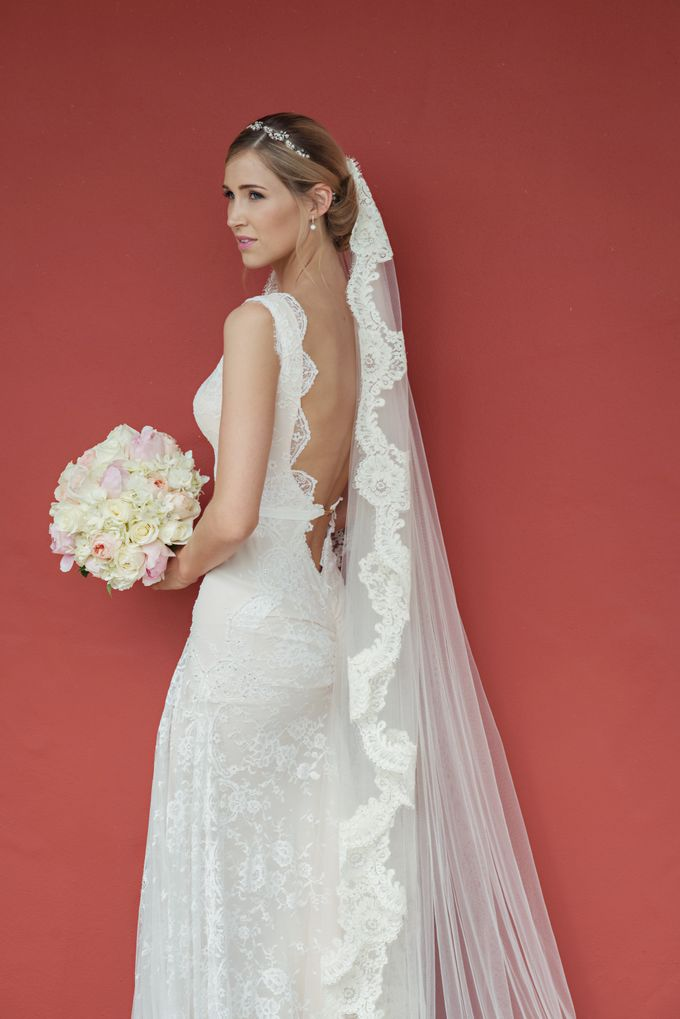 Wedding in tropical island ruins by Maria Elena Headpieces Australia - 008