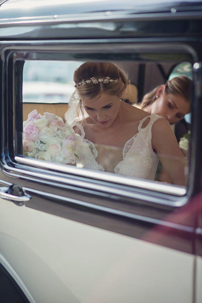 Wedding in tropical island ruins by Maria Elena Headpieces Australia - 011
