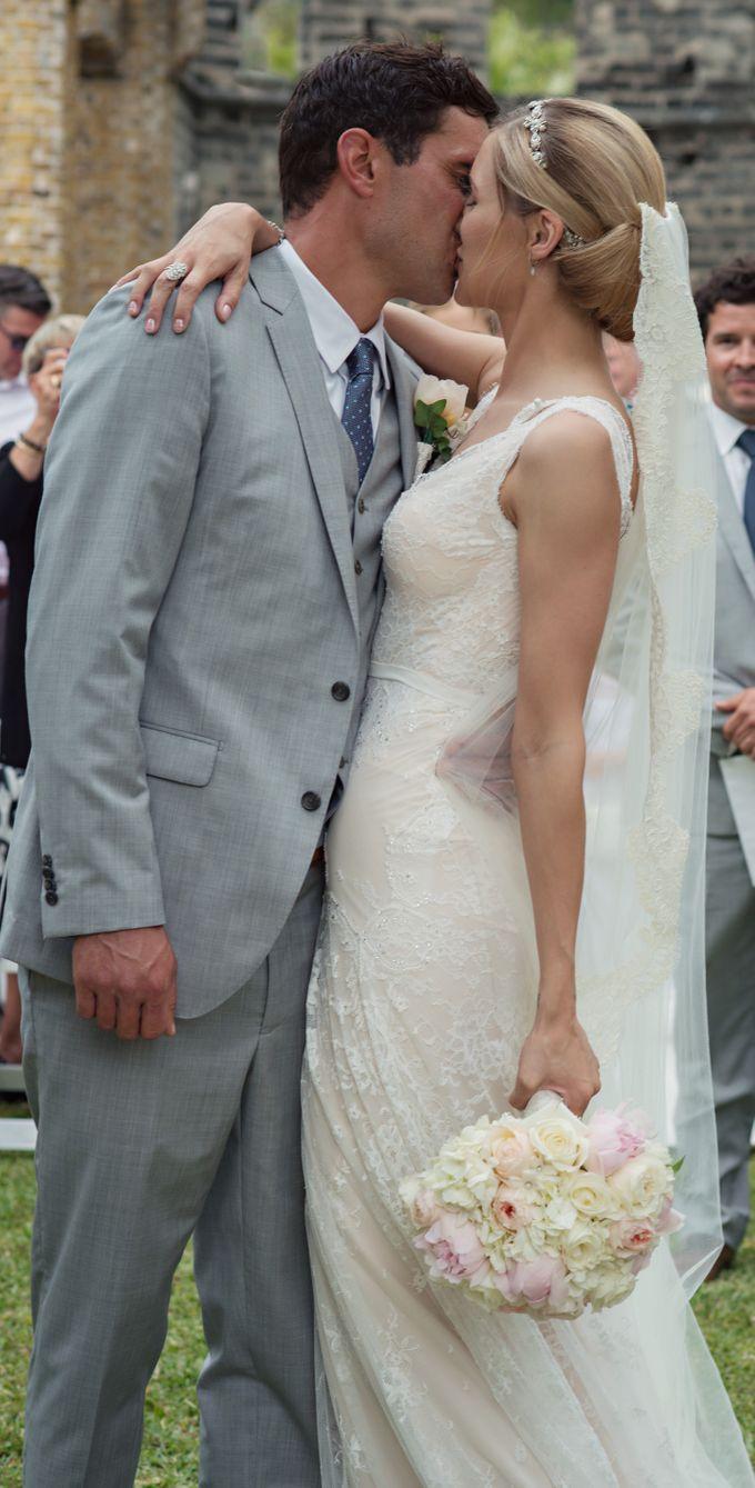 Wedding in tropical island ruins by Maria Elena Headpieces Australia - 013