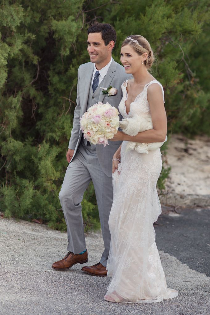 Wedding in tropical island ruins by Maria Elena Headpieces Australia - 020