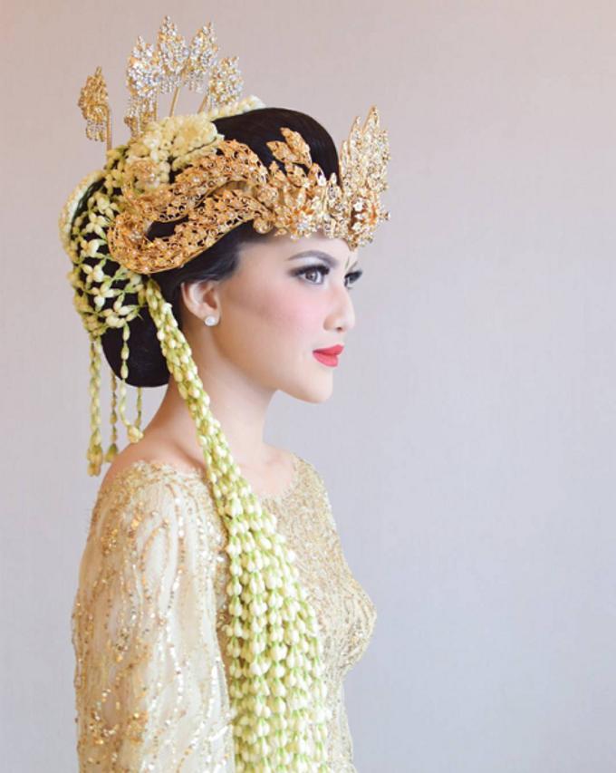 Andhira & Werhaspati Wedding by SVARNA by IKAT Indonesia Didiet Maulana - 008
